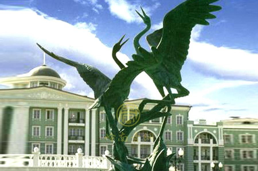 俄罗斯《铜鹤》雕塑(高3米)