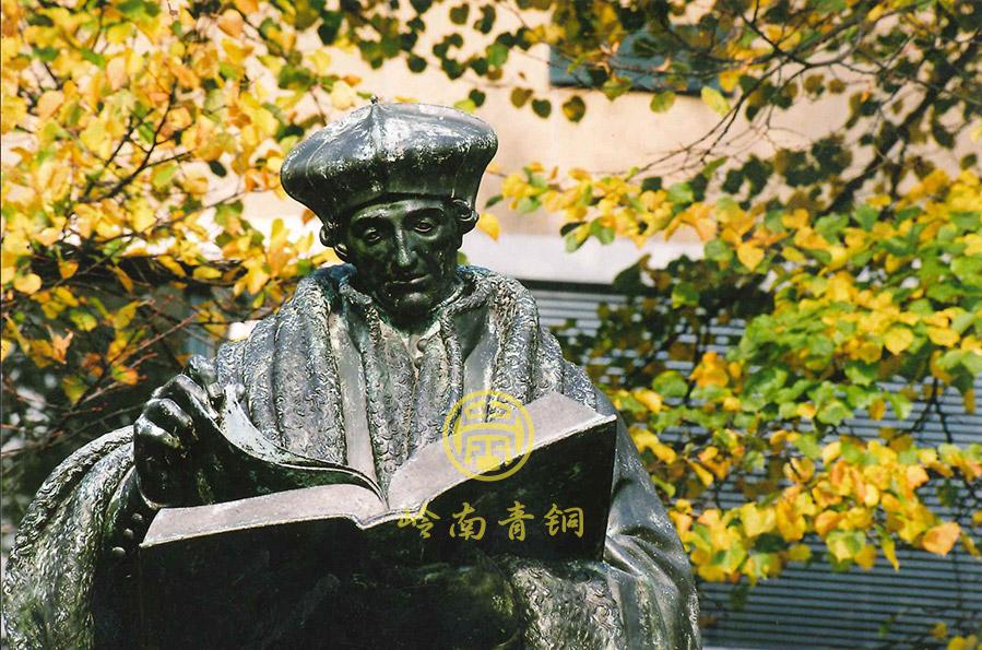 荷兰鹿特丹伊拉斯姆斯大学人物雕塑工程
