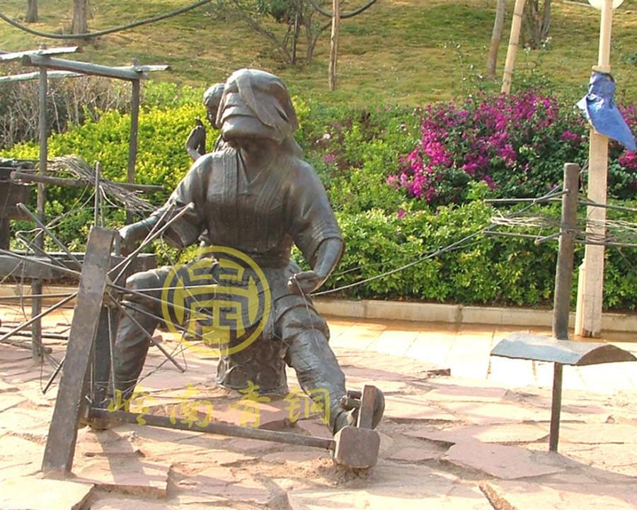 云南省永德县《俐侎人》大型铜雕群广场雕塑