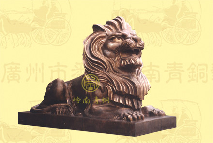 汇丰铜狮子(4a号)长2.38米,宽1.08米,高1.68米
