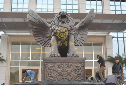 成都国际广场高6米铜狮子