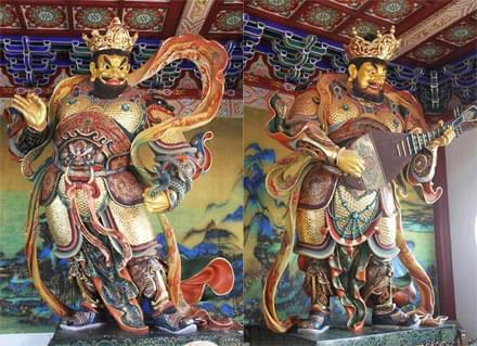 四大天王铜像