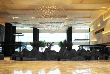 铜山锻造雕塑-张家界纳百利酒店