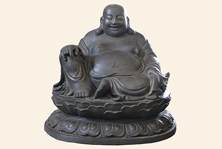 铜佛像(高65cm,宽72cm)